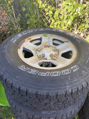 Jeep wrangler Cooper tires, good tread for Sale in Cleveland, OH