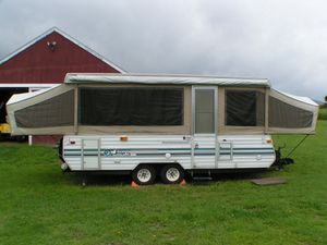 1990 Jayco deluxe popup camper (make an offer and it could be yours) for Sale in Pingree Grove, IL