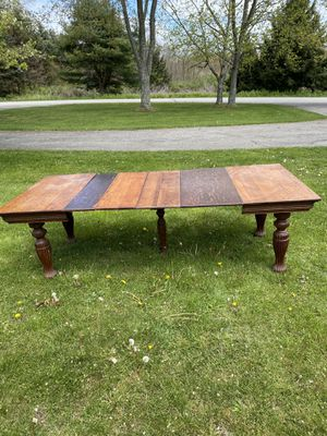 Dining room table for Sale in Butler, PA