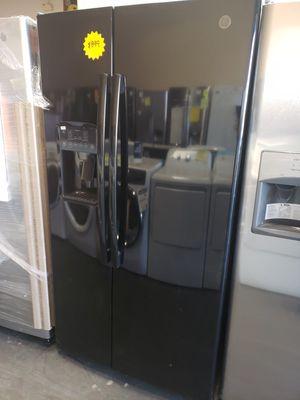 New S&D Refrigerator Black GE Side by Side for Sale in Las Vegas, NV