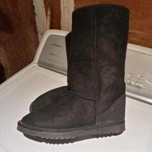 Men's Australian lambskin boots for Sale in Mountain View, CA