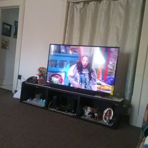 """Tv Toshiba 55"""" Inch Exelent Condiction Not Smart Tv for Sale in Los Angeles, CA"""