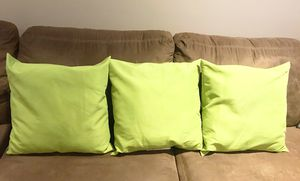 4 Green 20x20 Pillows !Make an Offer! Smoke free & pet free! Porch pick up! for Sale in Bristow, VA