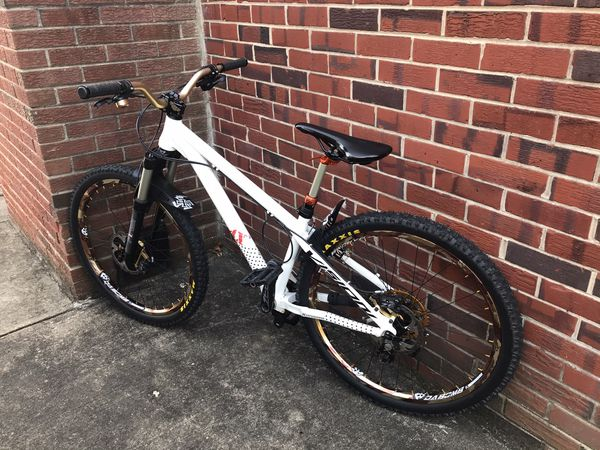 FS: 26er DJ / Dirt Jumper Bike