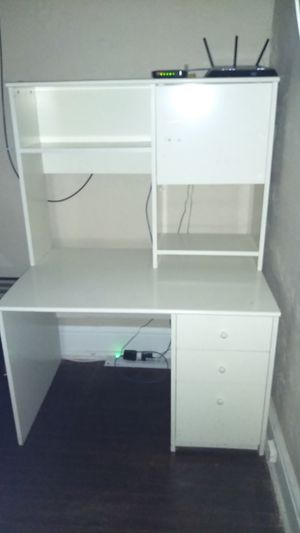 Computer desk for Sale in Emmaus, PA