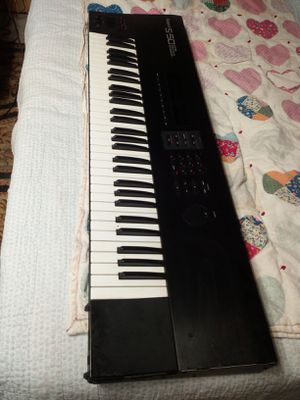 ROLAND S-50 VINTAGE PIANO 2 KEYS NOT WORKING % 255.00 OR THE BEST OFFER. for Sale in Wakefield, MA