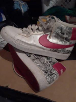 Nikes mens size 10 for Sale in Newark, CA
