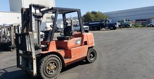 Nissan forklift 8000 pound capacity 3 stage for Sale in San Jose, CA
