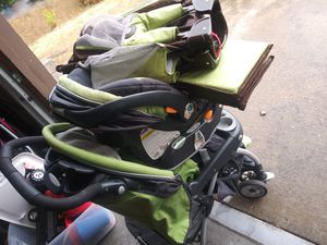 Stroller Car seat and play pen all in one for Sale in Graham, WA