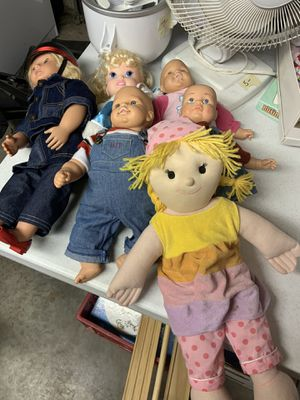 Big box of baby dolls, clothes and accessories for Sale in Ellicott City, MD