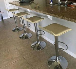 Set of 4 chair bar stools new in box✔ for Sale in Orlando, FL