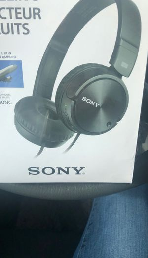 Sony headphones for Sale in Oregon City, OR