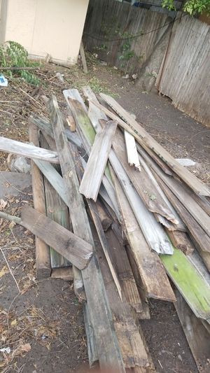 Free Old fence pieces for Sale in Wichita, KS