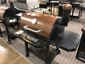 Brand New Pit Boss 820 Pro Series Wood Pellet Smoker for Sale in Farmers Branch, TX
