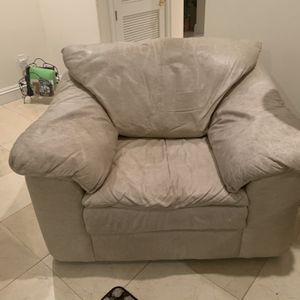 Free Couch Seat for Sale in Miami, FL
