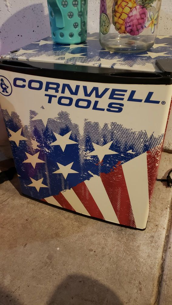 CTP17A - Cornwell® 1.7 cu.-ft. Flag Mini Fridge