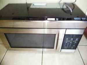 Brand new stainless steel microwave for Sale in Boca Raton, FL