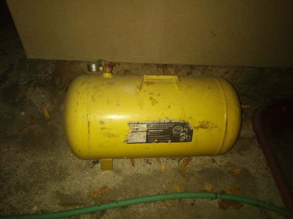 Portable air tank for sale for 30$ bucks or best offer