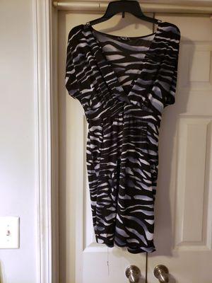 NWOT SEQUIN HEARTS DRESS BLACK AND WHITE SIZE M for Sale in Nashville, TN