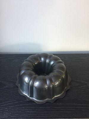 Cake bundt pan for Sale in Miami, FL