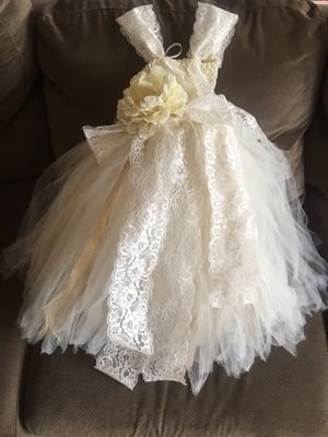 Flower girl dresses (med, & lg size) $55 for Sale in Seattle, WA