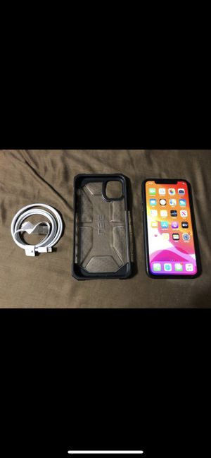 Apple iPhone 11 AT&T 64gb perfect phone just 2 small scratches for Sale in Orlando, FL