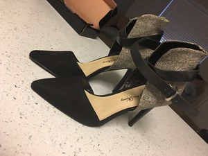 Heels size 7.5 for Sale in Dallas, TX