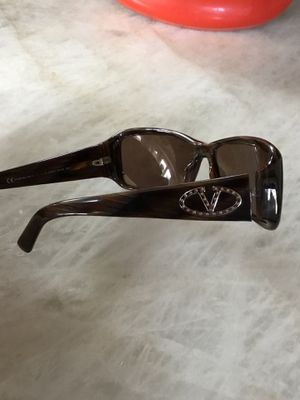 Authentic VALENTINO sunglasses for Sale in Arlington Heights, IL