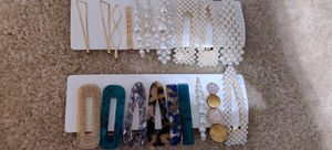 Pearl hair clips..... for Sale in Ellicott City, MD