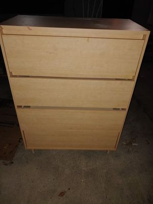 Large dresser for Sale in Garden Grove, CA