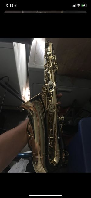 Saxophone Roy Benson for Sale in Chicago, IL