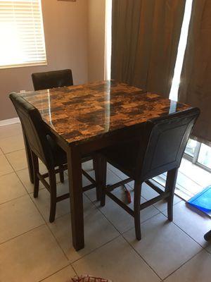 Breakfast table for Sale in Orlando, FL