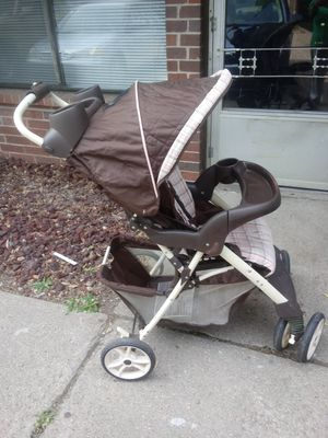 Selling a nice Graco stroller for Sale in Wichita, KS