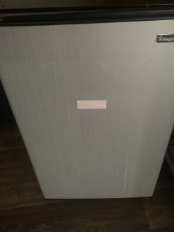 Magic Chef Fridge MUST GO TODAY for Sale in Norcross,  GA