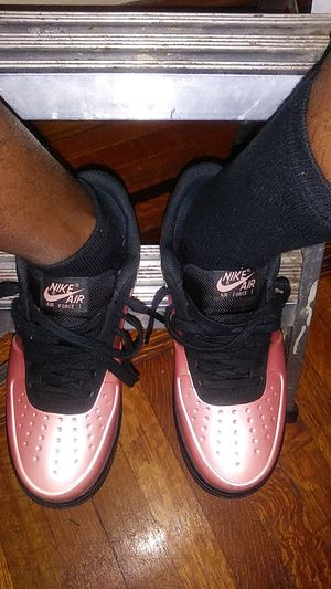 Pink foamposite air force 1s sz 8 pass as ds lmk 180 for Sale in Boston, MA