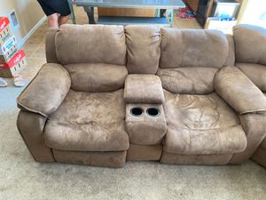 Reclining microfiber sectional couch for Sale in Auburn, WA