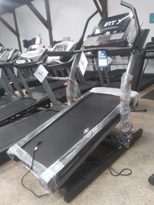 NordicTrack 40% Incline Treadmill!! for Sale in Laguna Beach, CA