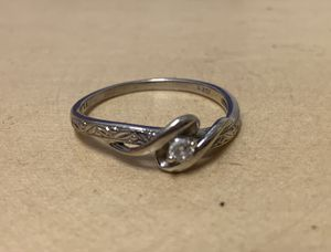 Diamond accent swirl promise ring for Sale in Tacoma, WA