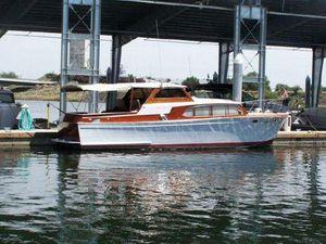 1957 Owens Boat. Sleeps 6. Excellent shape. $2,500 down for Sale in Seattle, WA