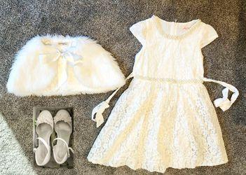 Beautiful Flower Girls Dress Set Size 8 for Sale in Bellevue,  WA
