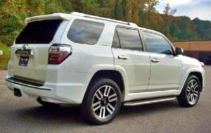 2O16 4Runner 6CYL, AT, ONLY LOW MILES LIKE NEW for Sale in Salina, KS