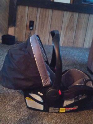 Graco Infant rear facing car seat for Sale in Scranton, KS