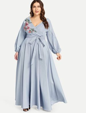 Plus Applique Balloon Sleeve Wrap Dress for Sale in Dearborn, MI