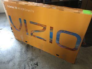 "VIZIO V705-G3 70"" 4K UHD HDR LED SMART TV 2160P *FREE DELIVERY* for Sale in Everett, WA"