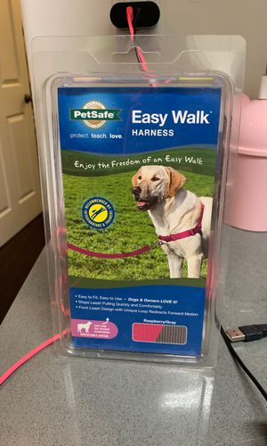 PetSafe Easy Walk Harness M/L for Sale in Los Angeles, CA