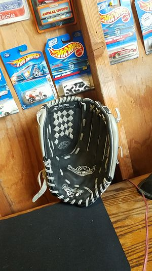 "Rawlings 13"" Baseball/ Softball Glove for Sale in Whittier, CA"