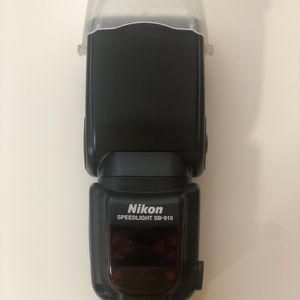 Nikon Speedlight SB-910 for Sale in Palatine, IL