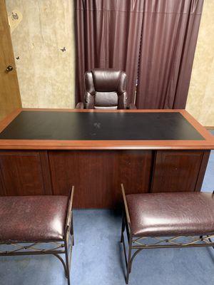 Cherry wood computer desk for Sale in Tulsa, OK