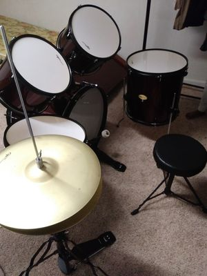 Drum set in good condition for Sale in Florissant, MO