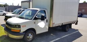 2014 chevy express 16 ft box truck gas v8 for Sale in Hackensack, NJ